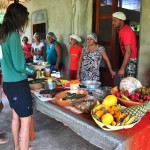 Dorfgemeinschaft baut Öko-Pension für Touristen im Amazonas