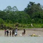 Indios überfallen Dorf in Perus Amazonas-Regenwald