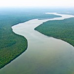 Flüsse Amazoniens sollen zu Informations-Adern werden und Internetanschluß gewähren