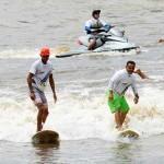 """Surfer bereiten sich auf """"Pororoca"""" der Flüsse Amazoniens vor"""